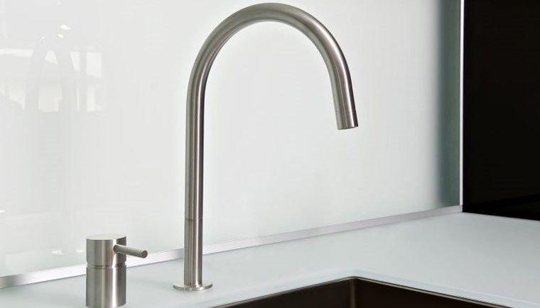 MGS Küchenarmatur F2 R Edelstahl massiv