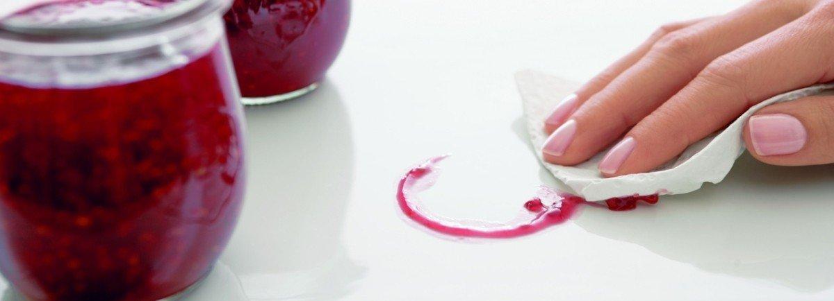 Pflege Ihrer Keramikspüle. Tipps und Hinweise.